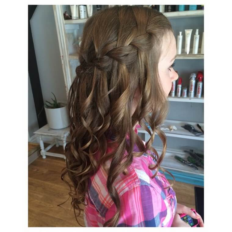 Cute Boho Style Girls Hair Styles For Any Kind of Hairs (18)