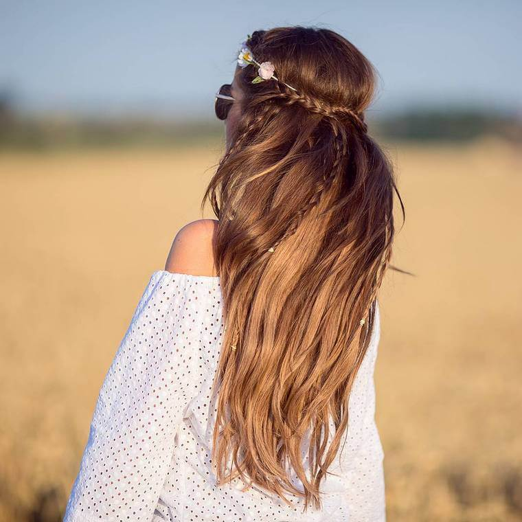 Cute Boho Style Girls Hair Styles For Any Kind of Hairs (21)