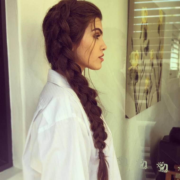 Cute Boho Style Girls Hair Styles For Any Kind of Hairs (41)
