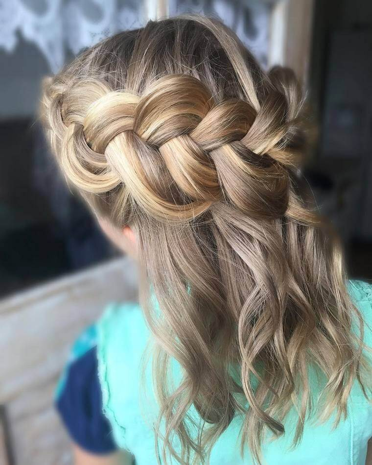 Cute Boho Style Girls Hair Styles For Any Kind of Hairs (45)