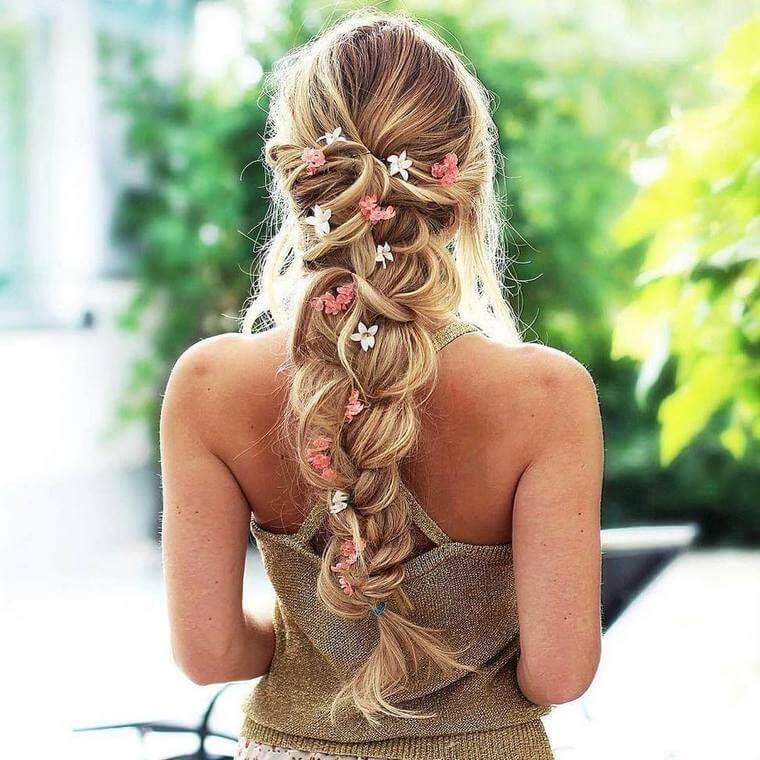 Cute Boho Style Girls Hair Styles For Any Kind of Hairs (60)