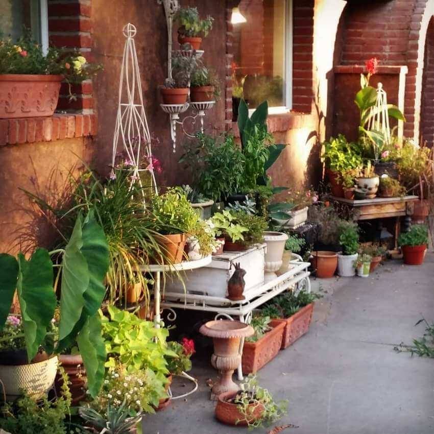 Bohemian Garden Backyard and Patio Ideas - Bohemian ... on Bohemian Patio Ideas id=31487
