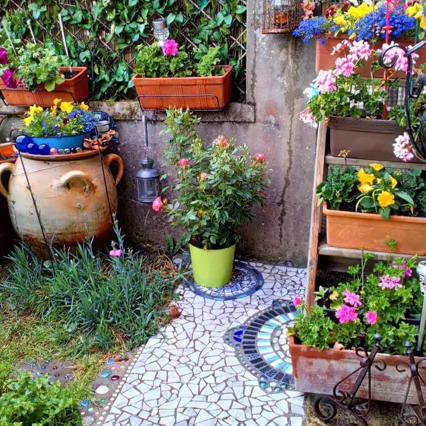 Bohemian Garden Designs And Backyard Ideas (48)