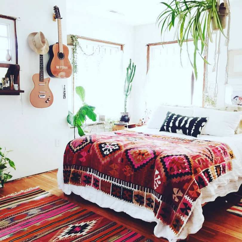 Bohemian Style Beds (54)